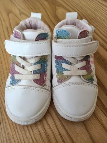 Черевички, ботинки, чобітки для дівчинки