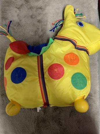 LEDRAPLASTIC: Dmuchany żółty konik do skakania.