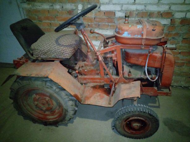 Трактор з гідравлікою