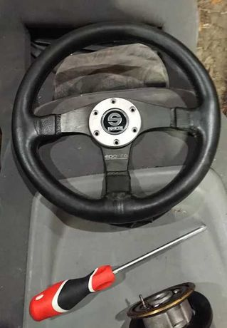 Продам кожаный спортивный руль Sparco