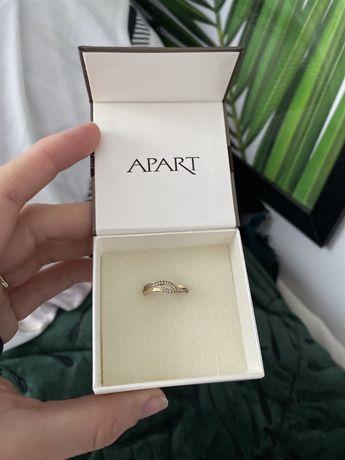Złoty pierścionek Apart rozmiar 13