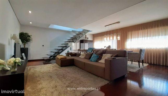 Venda de Apartamento T3 duplex, Montgeron, Aver-o-mar, Póvoa de Varzi