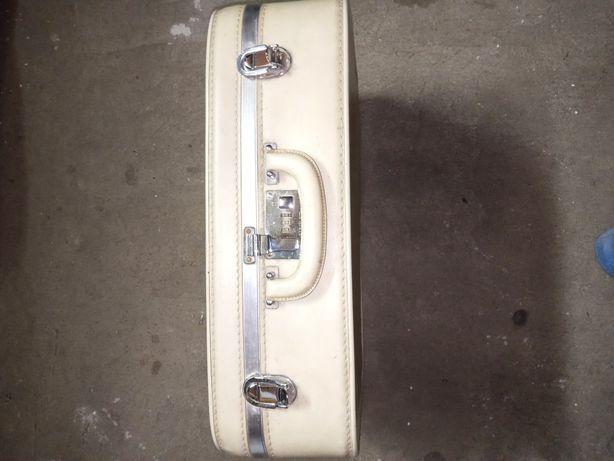 Skorzana walizka