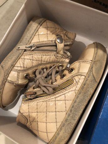 Осенние ботиночки с мехом оригинал натуральные куртка 2-3 года