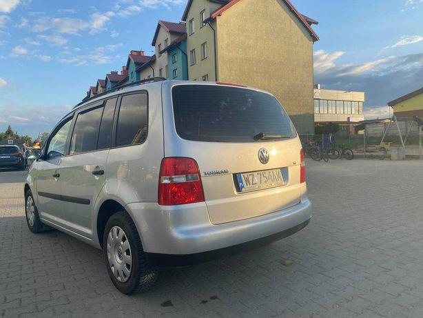Używany Volkswagen Touran 2003r, cena do małej negocjacji.