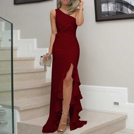 Elegancka nowa suknia