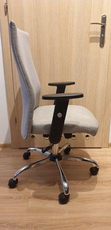 Fotel biurowy / Krzesło obrotowe - oryginalne/ bardzo wygodne