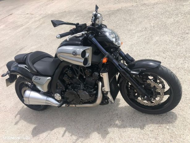 Yamaha Vmax 1700 200cv