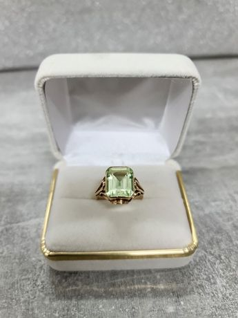585 Piękny złoty pierścionek