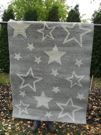 Dywan 120x160 gwiazdki