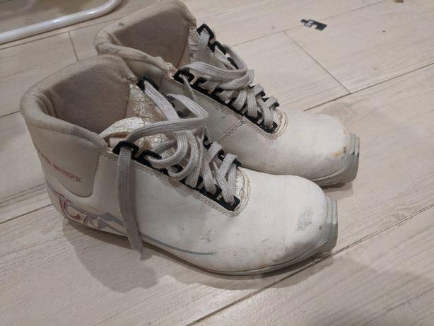 Ботинки для беговых лыж. 40 размер SNS