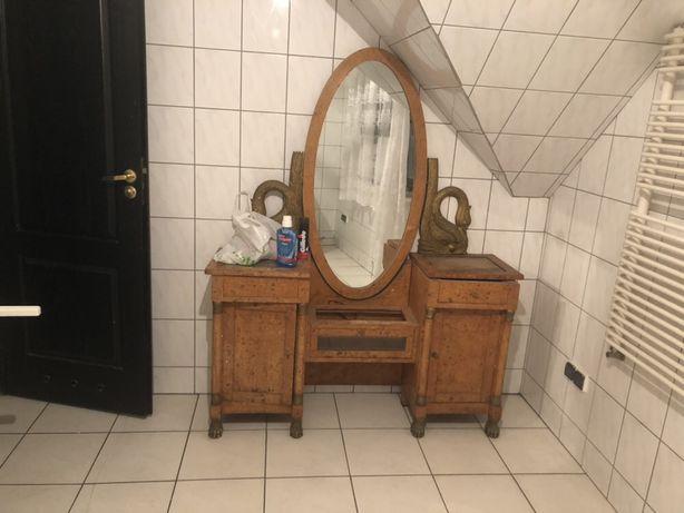 Sprzedam tanio piękną toaletkę antyczną z czeczotki
