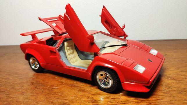 Lamborghini Countach (1988) Burago, escala 1/24.