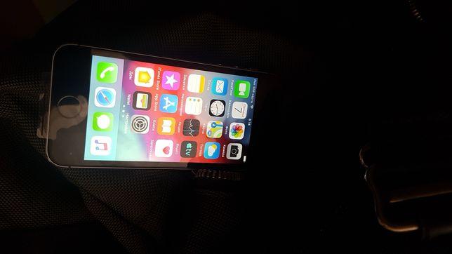 Мобильный телефон Iphone 5