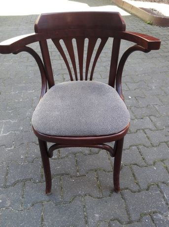 krzesła i hokery drewniane tapicerowane