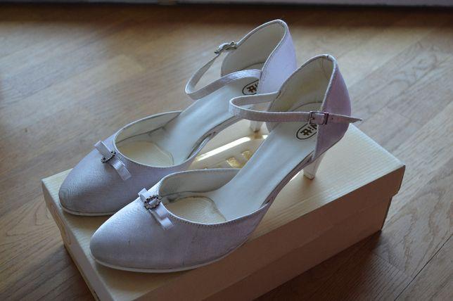 Buty ślubne (38,24cm)