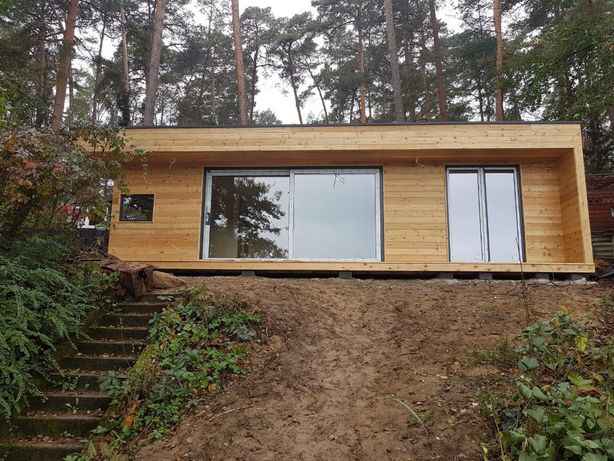 Nowoczesny domek letniskowy, ogrodowy, całoroczny drewniany