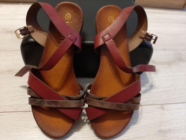 Sprzedam sandały