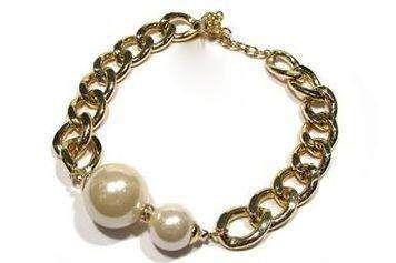 Naszyjnik z perłami Avon