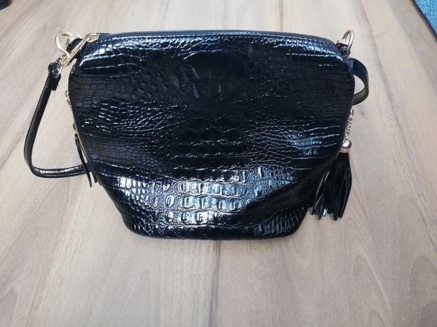 Czarna torebka, elegancka. Jak nowa. Tanio
