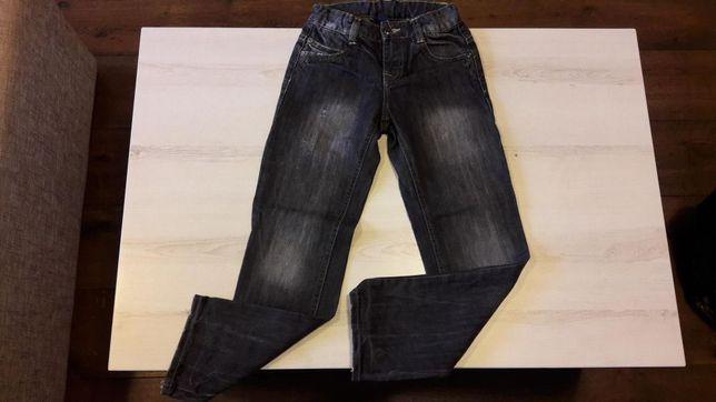 Spodnie jeansy chłopięce Reserved r. 128, stan idealny