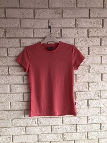 Sprzedam damską sportową koszulkę