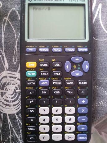 Maquina calculadora gráfica Texas plus ti 83, a funcionar