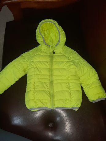 Продам детскую деми куртку
