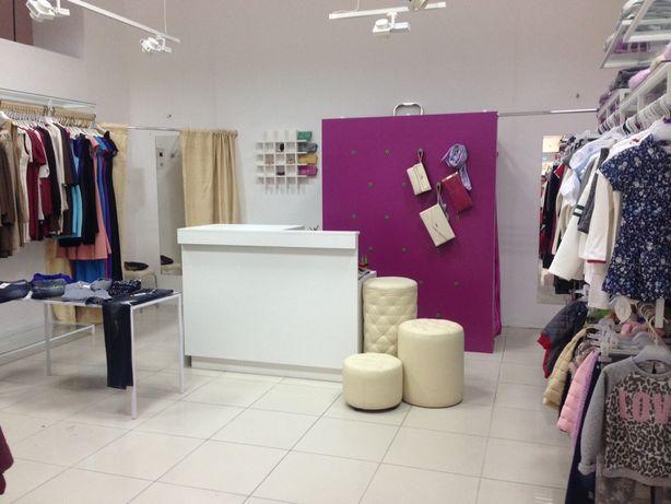 Продам магазин, оборудование для бутика одежды 50мкв