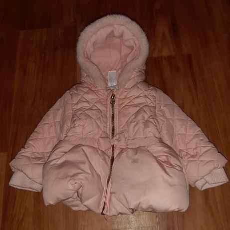 Продам красивую курточку на девочку 6-9 месяцев