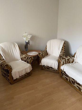 Komplet wypoczynkowy sofa i dwa fotele. Kanapa funkcja spania