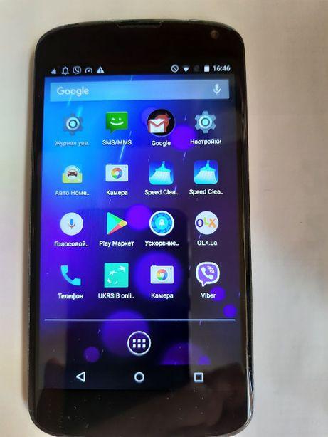 Мобильный телефон NEXUS 4