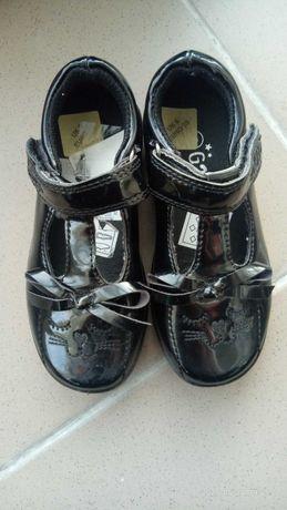 Новые лакированные туфли, размер 23, стелька 13 см