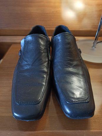 Sapato preto em pele 39
