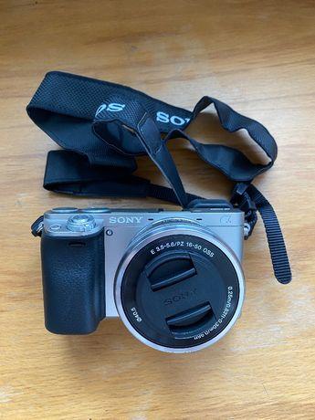 Aparat SONY Alpha A6000 (ILCE-6000) Srebrny + obiektyw 16-55mm