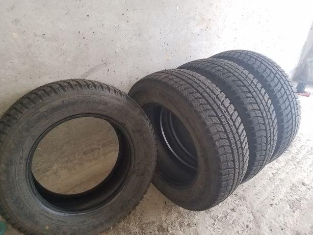 Нові шини 205 65 15