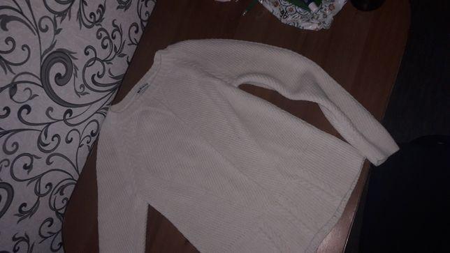 Продам женский свитерок за 100р.