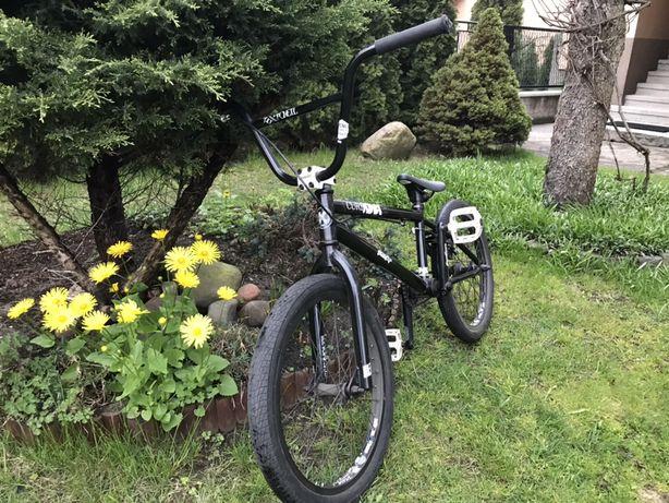 BMX Kink Curb