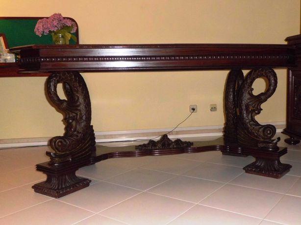 Mesa e Cadeiras - Conjunto Antigo de Sala de Jantar