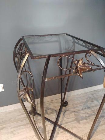 Stolik z kutej stali