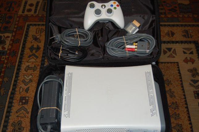 Xbox 360, pad, kable, gra, etui