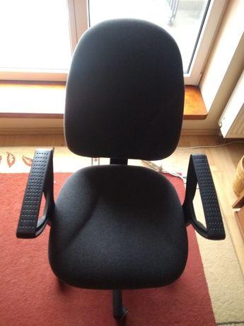 Krzesło biurowe obrotowe,regulowane. Stan bardzo dobry.