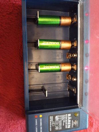 Зарядное устройство для АА, ААА, крона,  с индикатором.