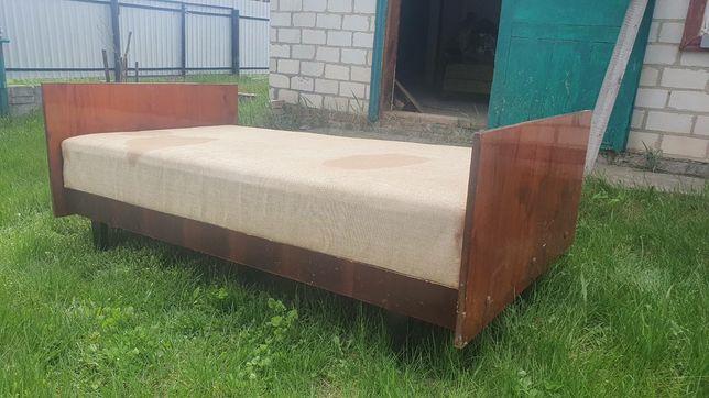 Продається дерев'яне ліжко