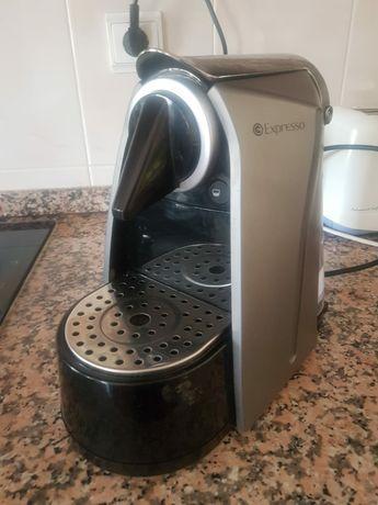 Maquina cafe espresso avariada