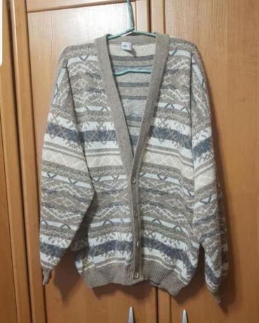 Шерстяной свитер, кофта