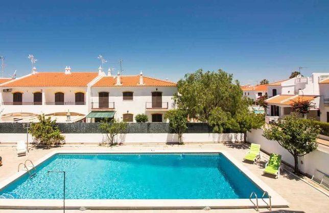 Alugo vivenda para férias na praia da Altura com piscina privada