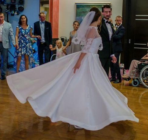 Śnieżnobiała suknia ślubna S/M