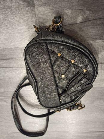 Urocza czarna torebka portfelik mała frędzle serce dziewczynka kobieta