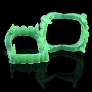 Зубы вампира люминесцентные (свитонакоплювальни)